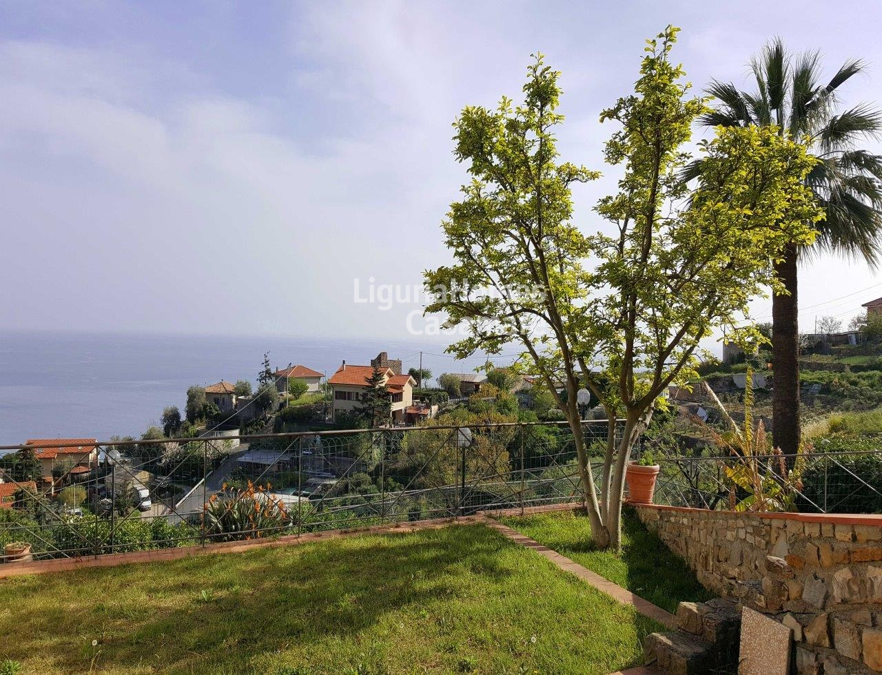 Villa in vendita a Ospedaletti, 11 locali, prezzo € 860.000 | CambioCasa.it