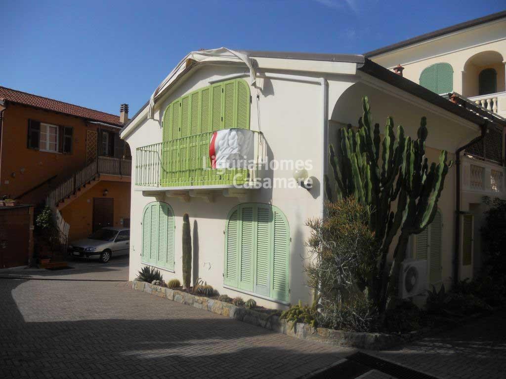 Villa in vendita a Ospedaletti, 6 locali, prezzo € 450.000 | Cambio Casa.it