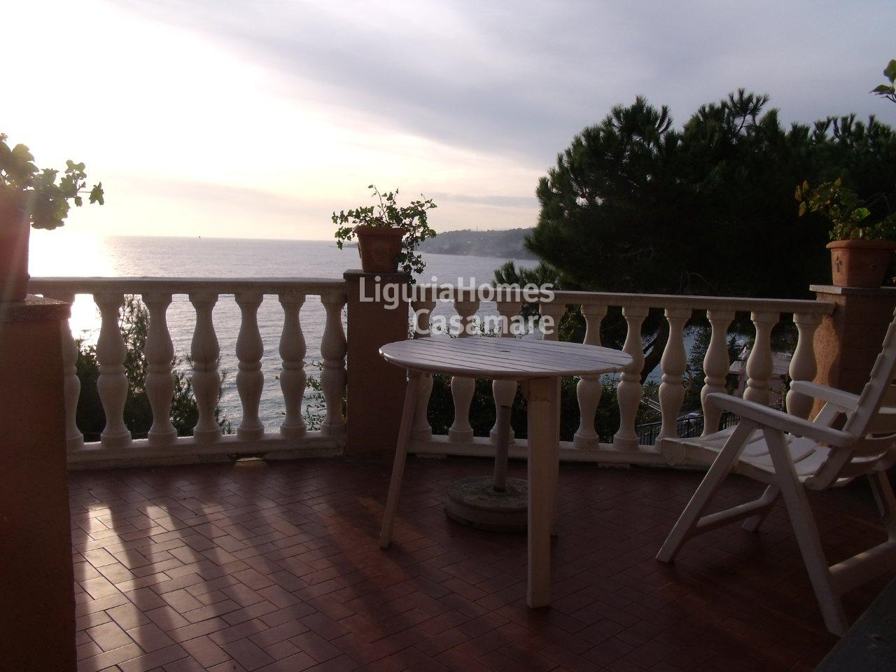 Appartamento in vendita a Ospedaletti, 5 locali, prezzo € 630.000 | CambioCasa.it