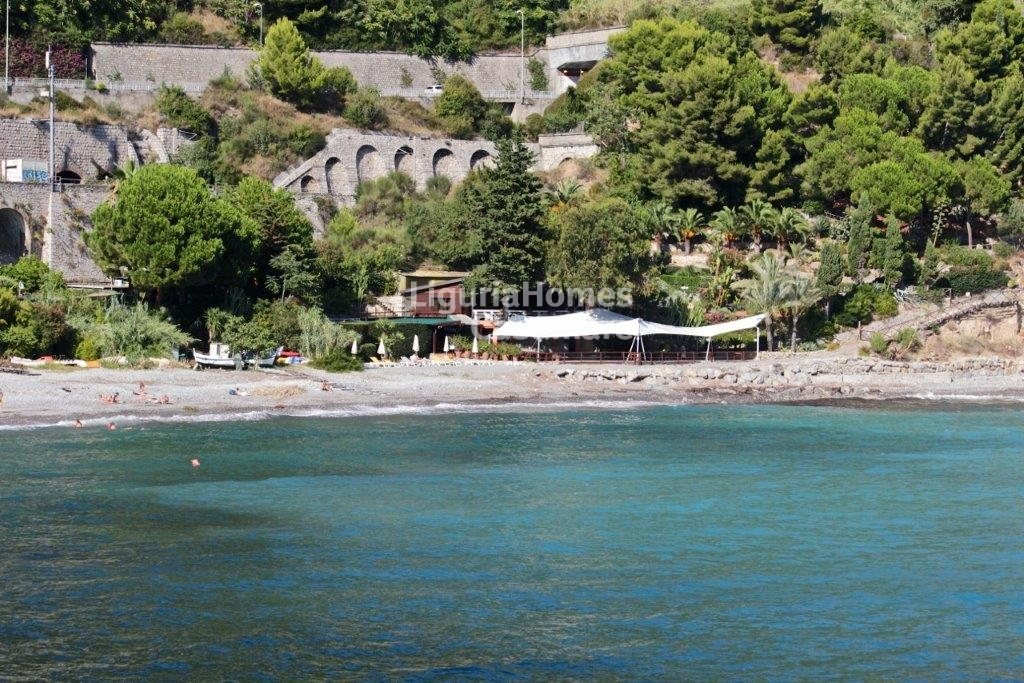 Villa in vendita a Ventimiglia, 12 locali, Trattative riservate | Cambio Casa.it