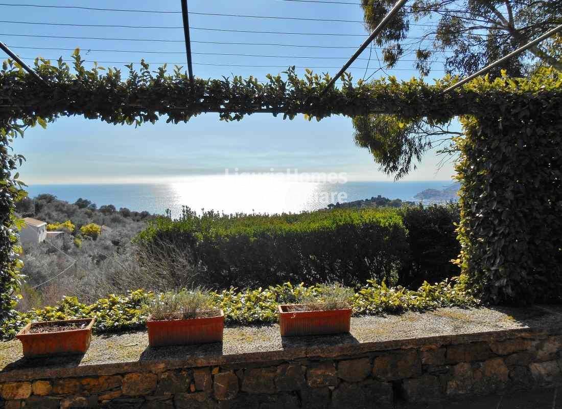 Villa in vendita a Imperia, 11 locali, prezzo € 1.500.000   Cambio Casa.it