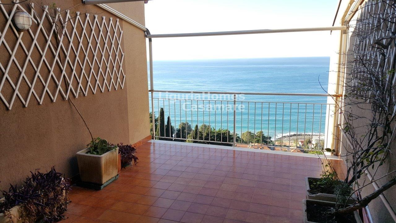 Appartamento in vendita a Ospedaletti, 4 locali, prezzo € 155.000 | CambioCasa.it