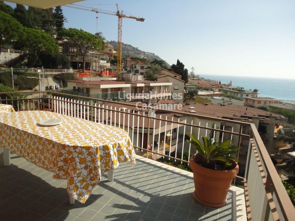 Appartamento in vendita a Ospedaletti, 6 locali, prezzo € 490.000 | Cambio Casa.it