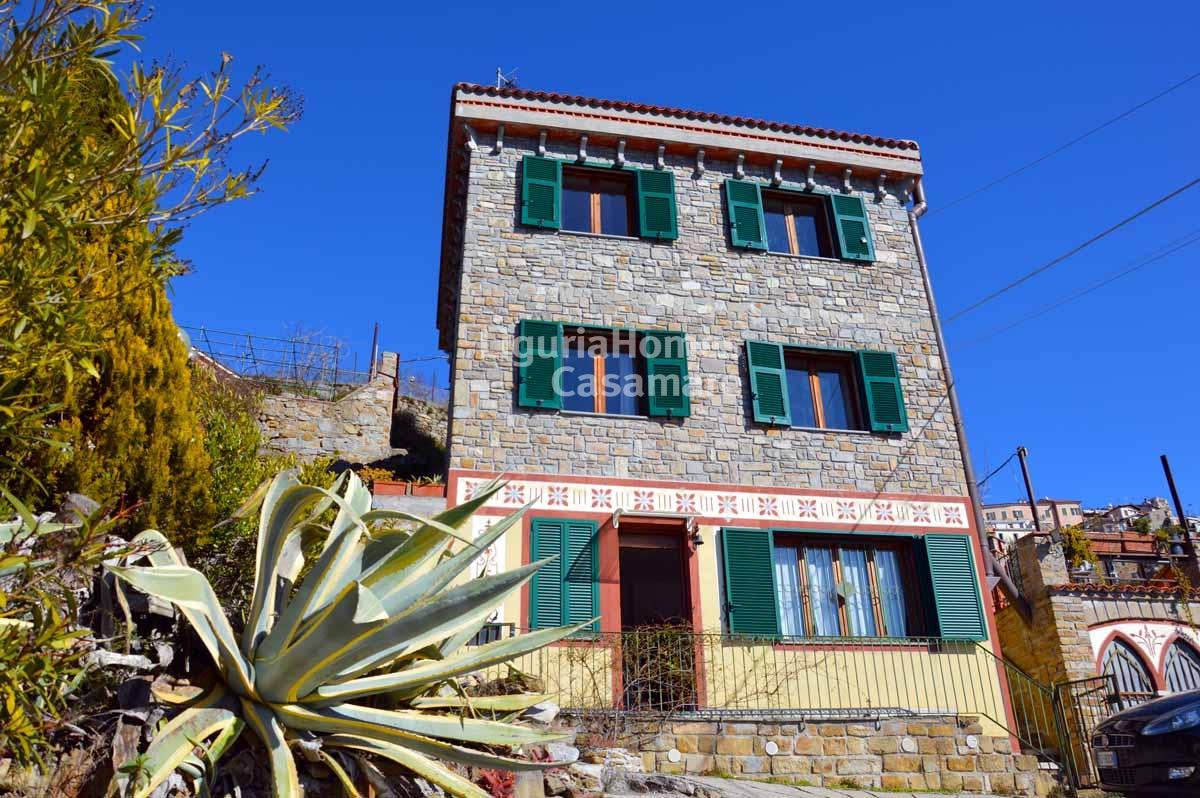 Villa in vendita a Perinaldo, 5 locali, prezzo € 290.000 | Cambio Casa.it