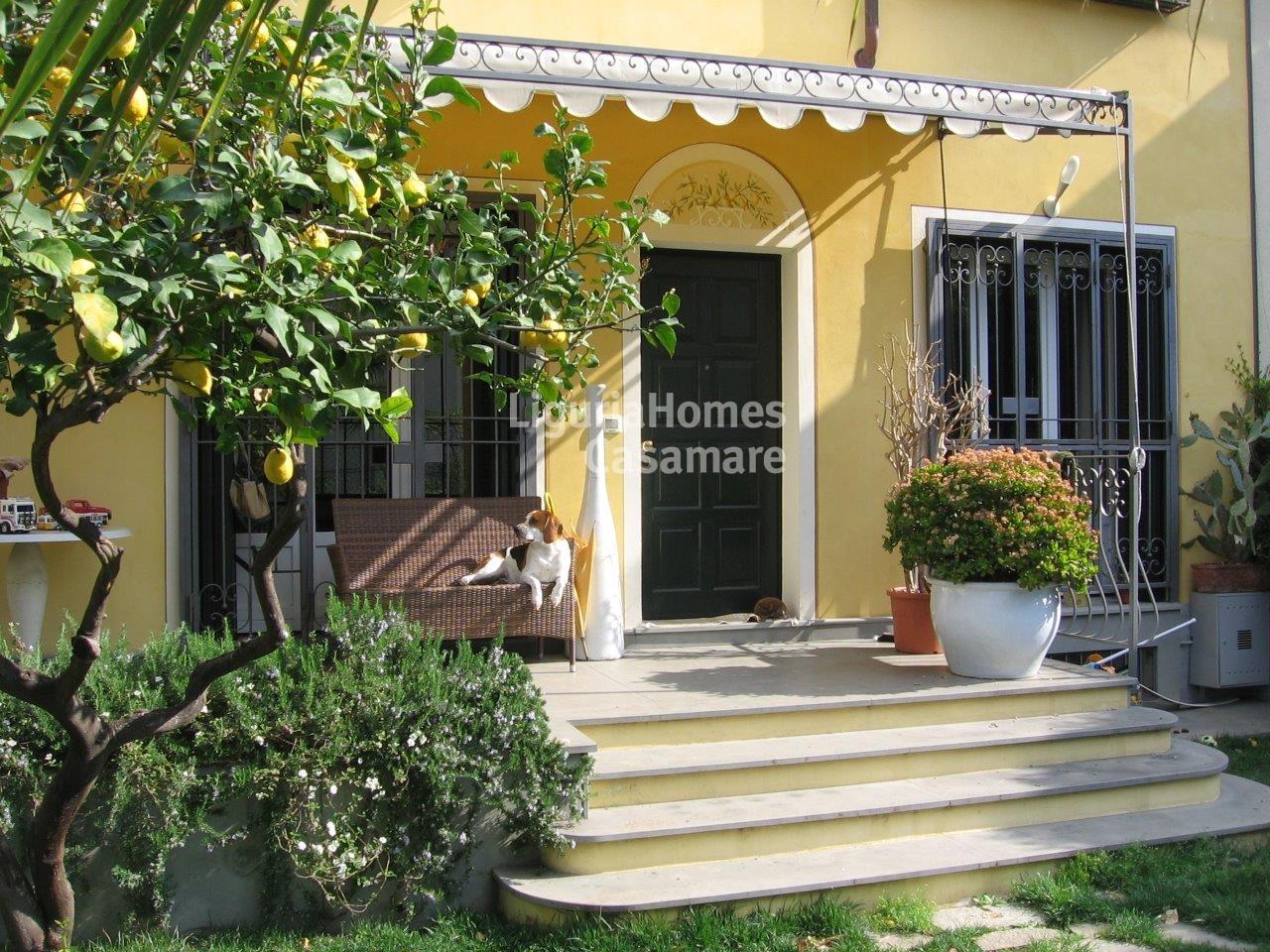 Villa in vendita a Bordighera, 5 locali, prezzo € 750.000 | CambioCasa.it