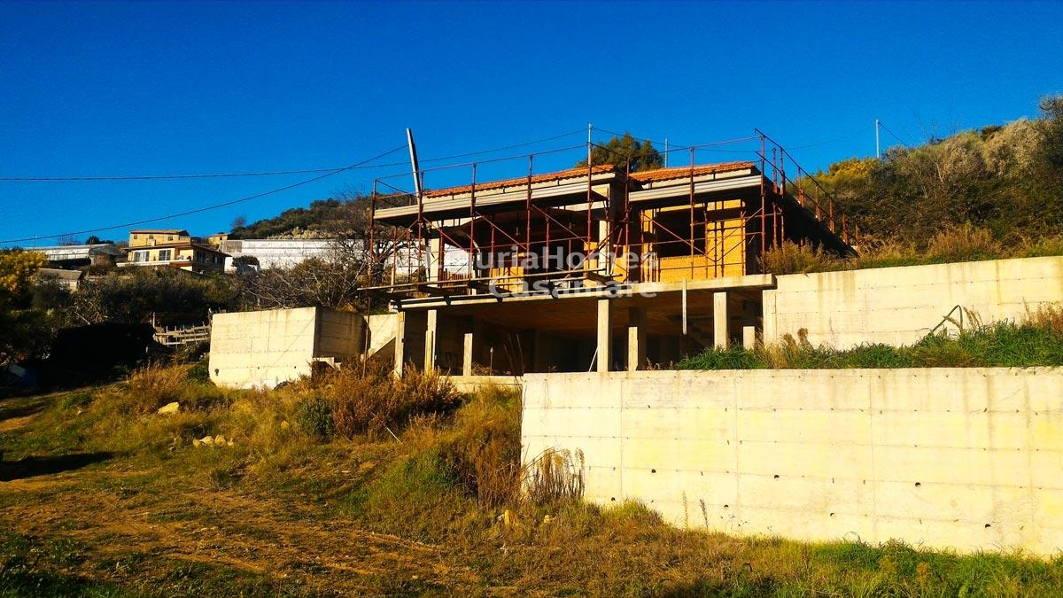Villa in vendita a Bordighera, 5 locali, prezzo € 210.000 | CambioCasa.it