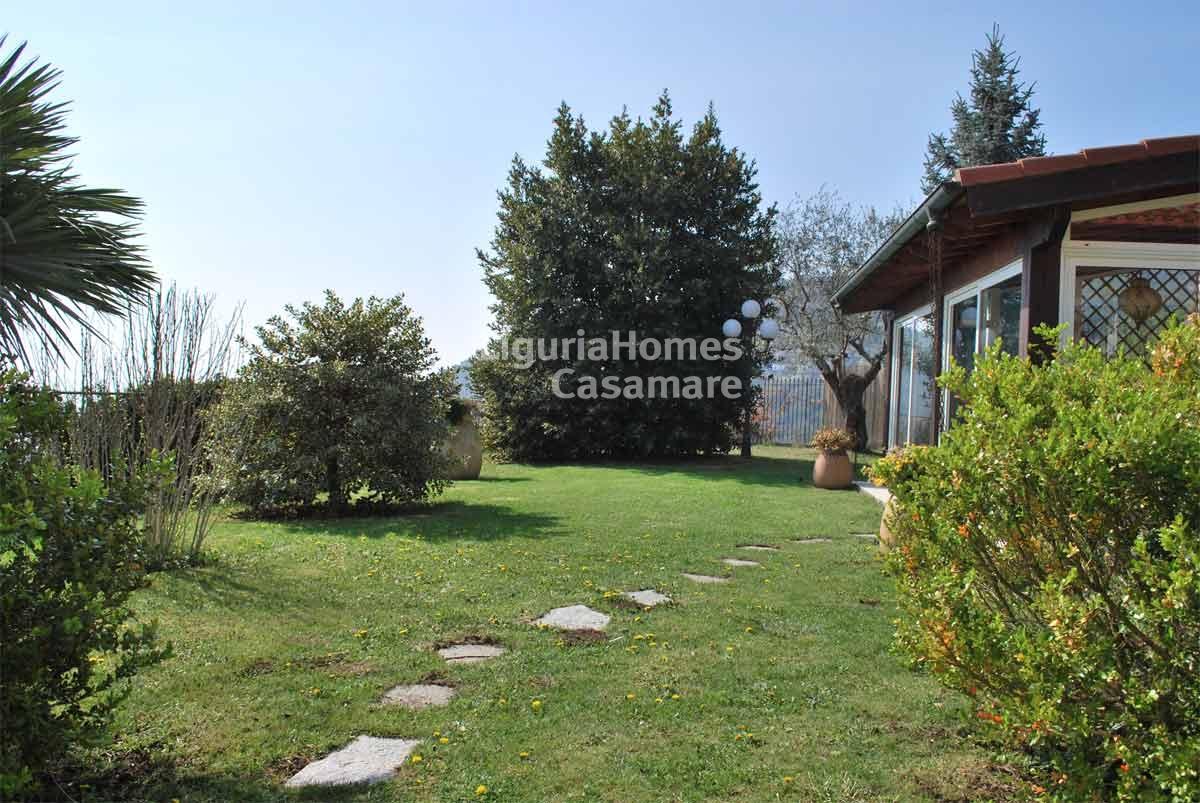 Villa in vendita a Bordighera, 9 locali, prezzo € 800.000 | CambioCasa.it