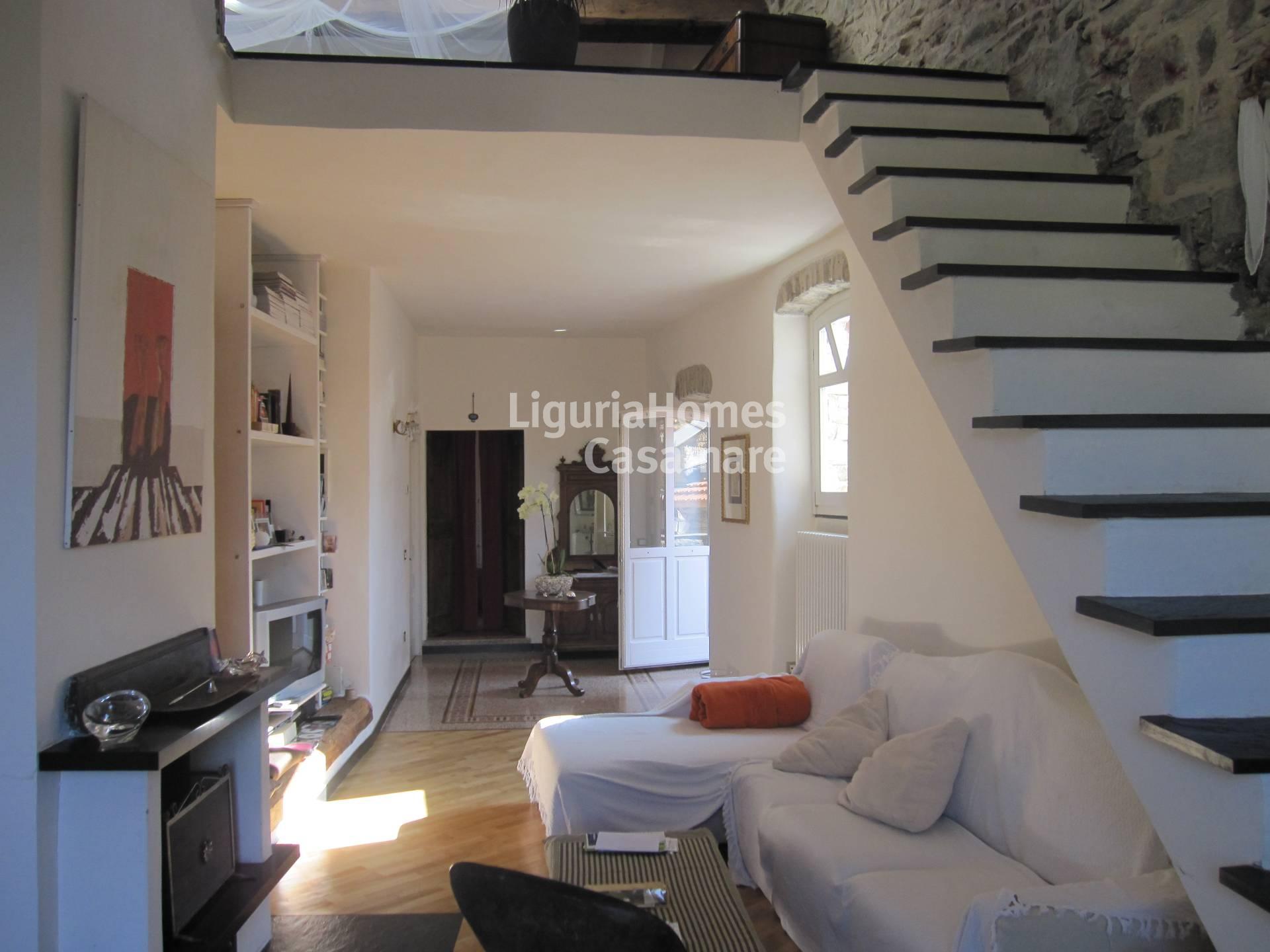 Appartamento in vendita a Diano San Pietro, 5 locali, prezzo € 420.000 | Cambio Casa.it
