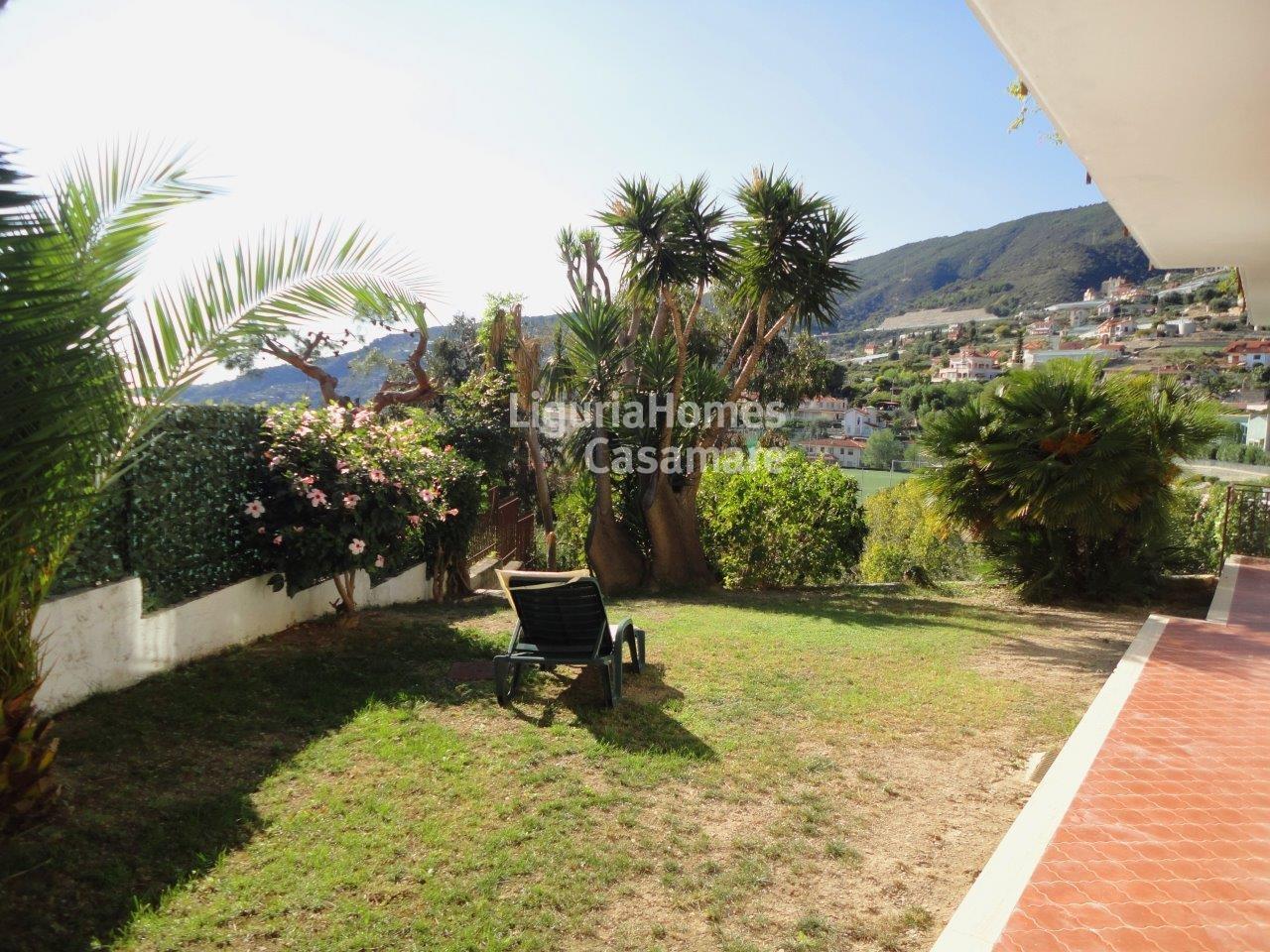 Villa in vendita a Ospedaletti, 15 locali, prezzo € 770.000 | CambioCasa.it