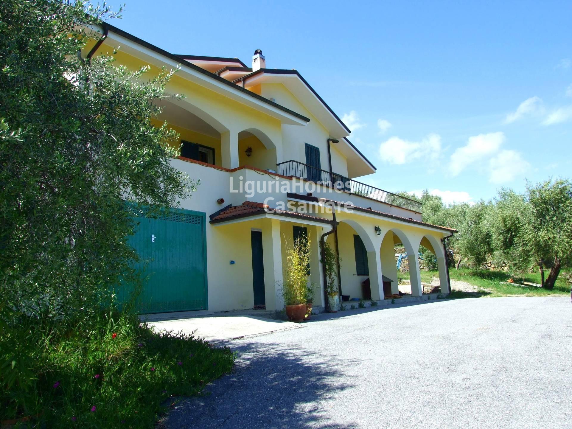 Villa in vendita a Imperia, 9 locali, prezzo € 890.000   Cambio Casa.it