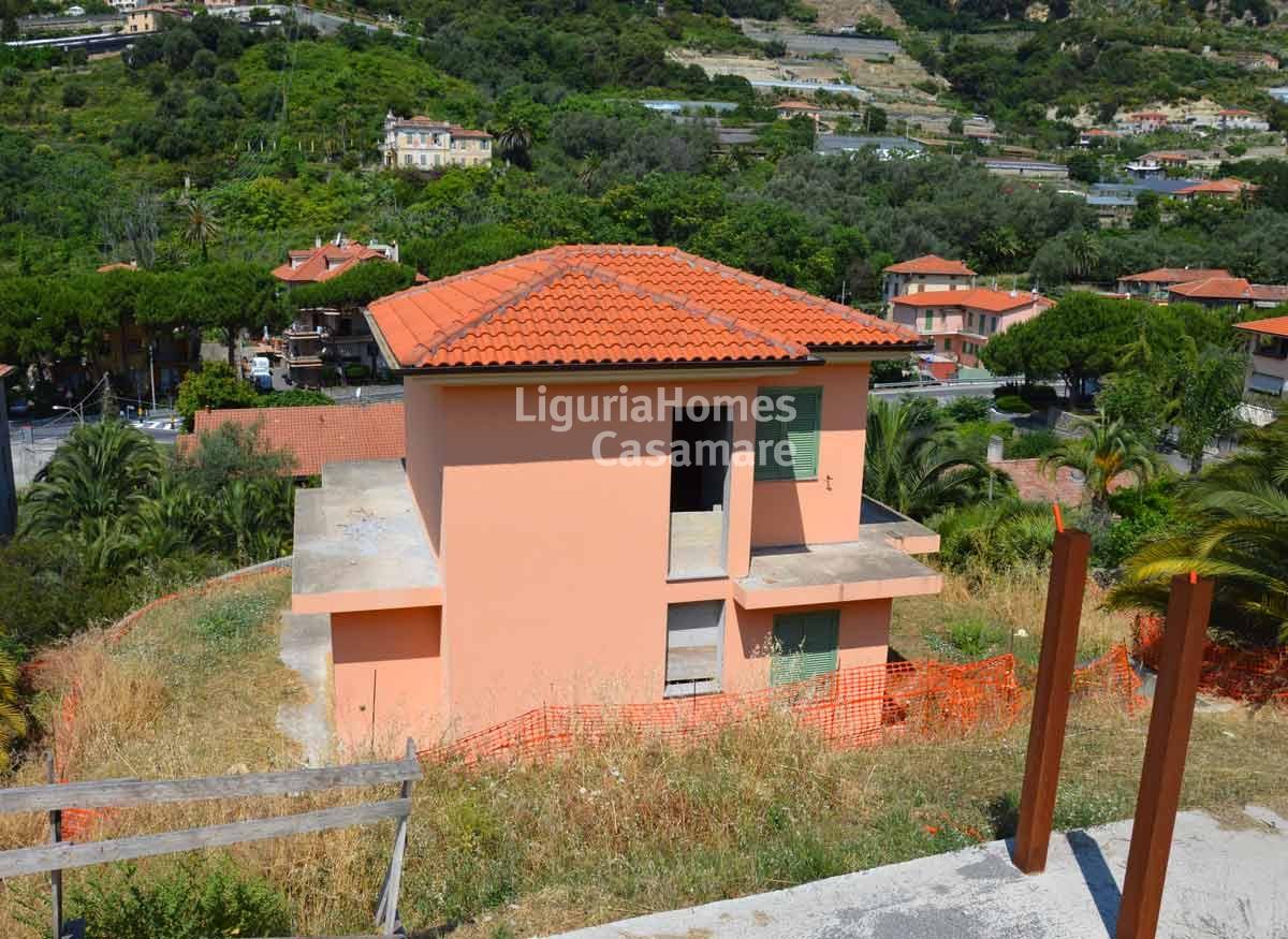Villa bordighera vendita 135 mq riscaldamento for Piani casa ranch in collina