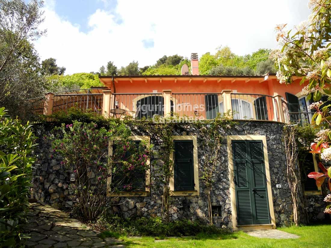 Villa in vendita a Alassio, 9 locali, prezzo € 1.090.000 | Cambio Casa.it
