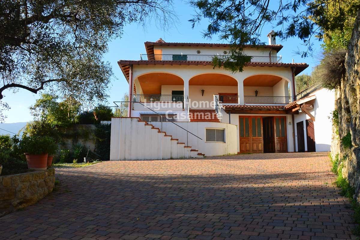 Villa in vendita a Ventimiglia, 9 locali, prezzo € 950.000 | Cambio Casa.it