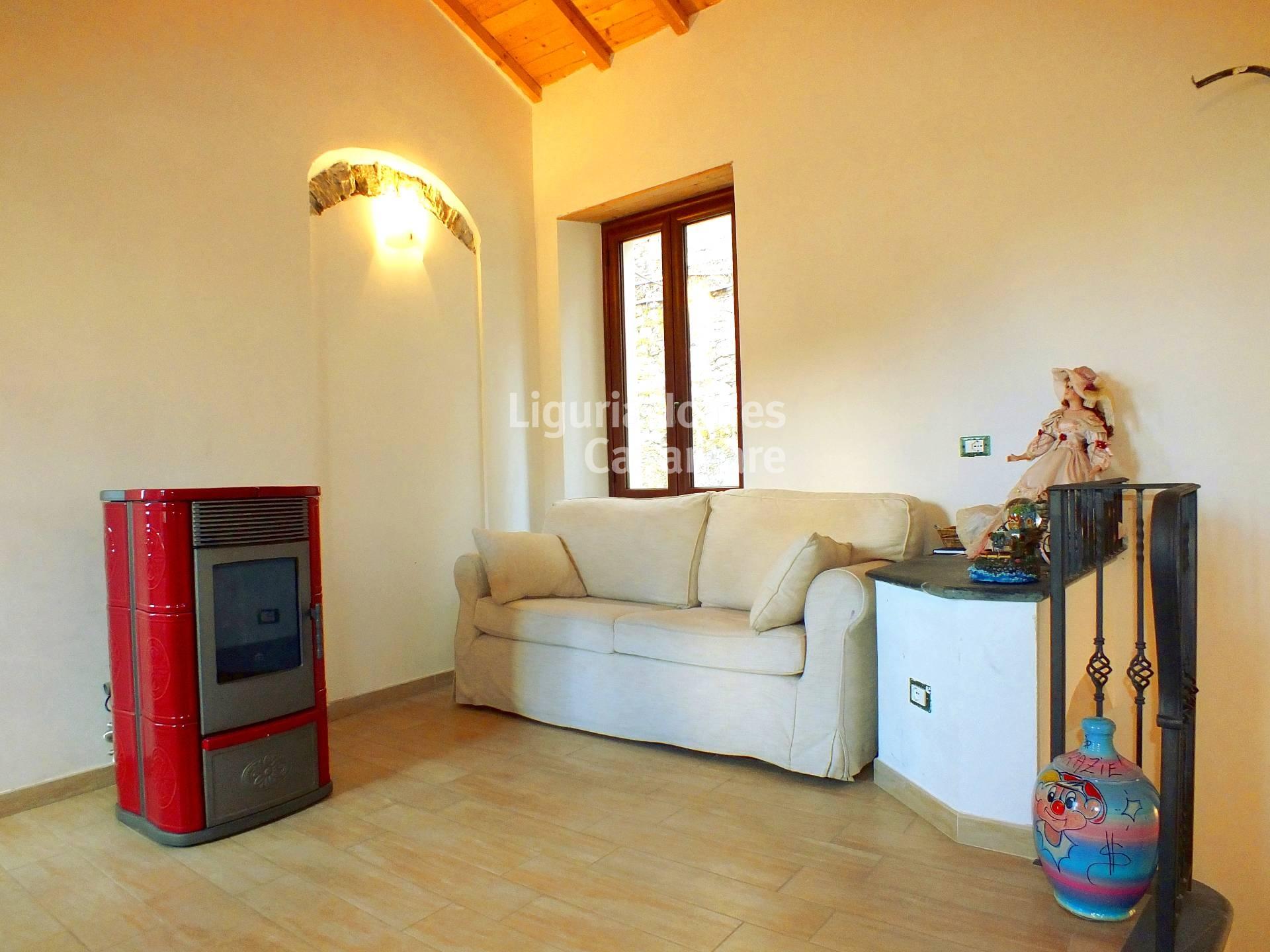 Appartamento in vendita a Pietrabruna, 4 locali, prezzo € 150.000 | CambioCasa.it