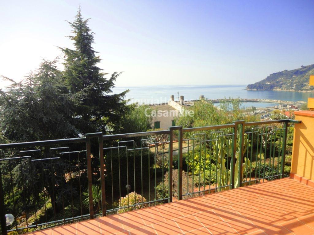 Appartamento in vendita a Ospedaletti, 3 locali, prezzo € 265.000 | CambioCasa.it