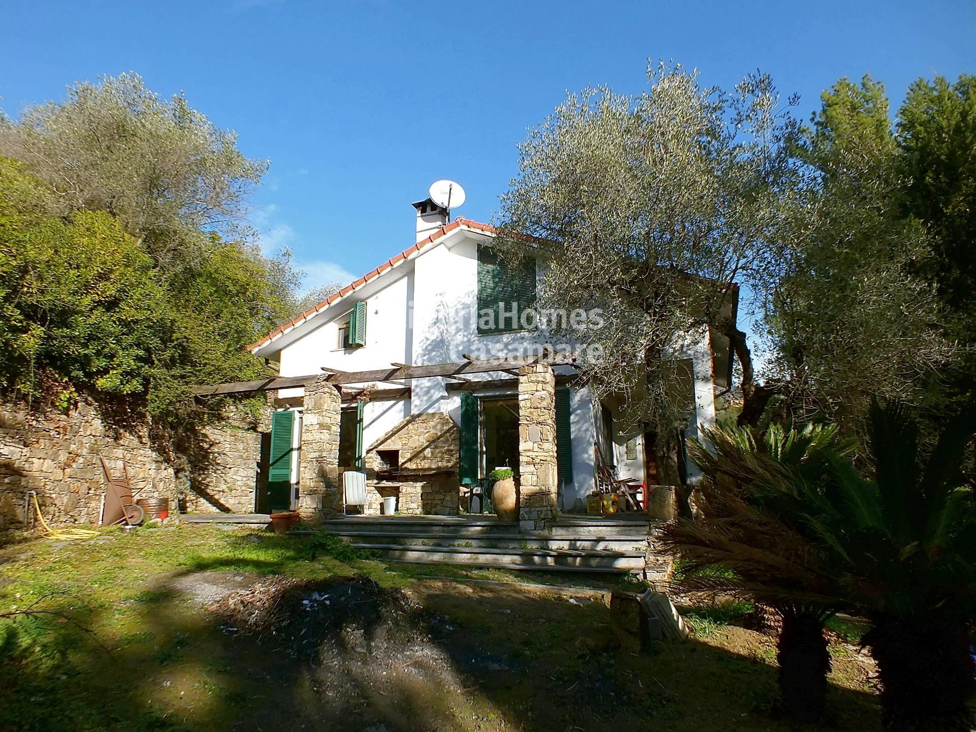 Villa in vendita a Imperia, 10 locali, prezzo € 450.000 | CambioCasa.it