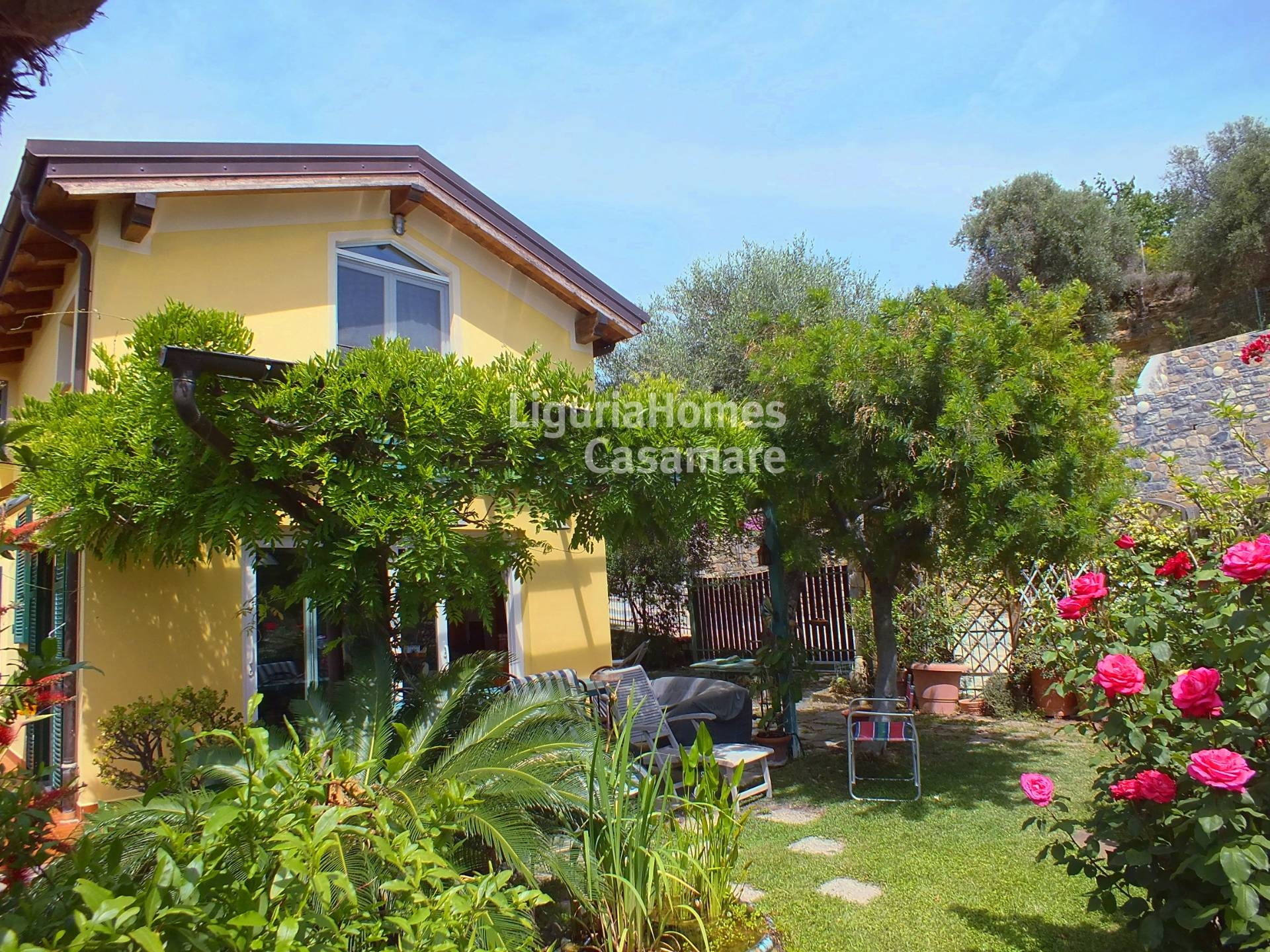 Villa in vendita a Civezza, 7 locali, prezzo € 465.000 | CambioCasa.it