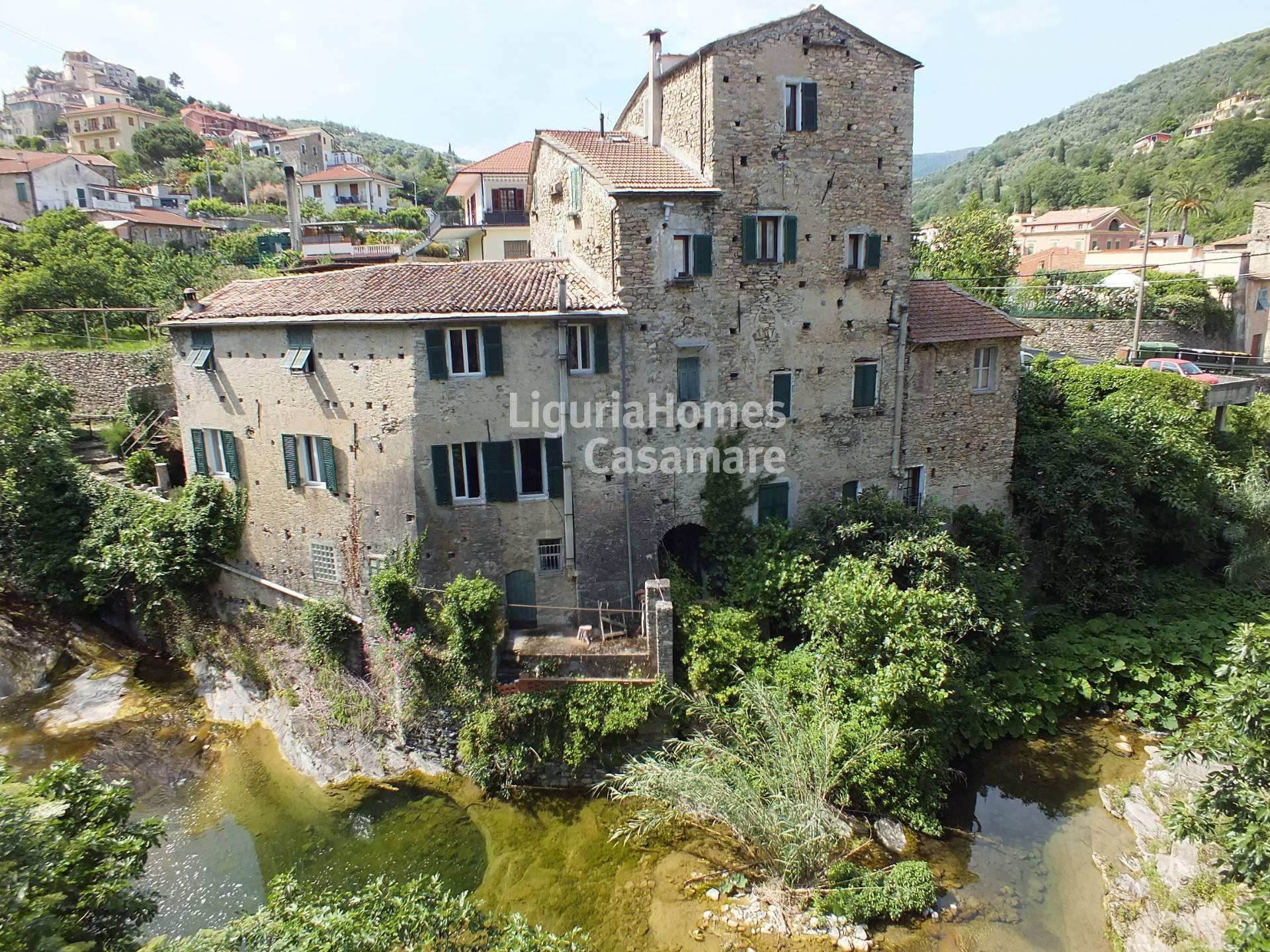 Appartamento in vendita a Dolcedo, 4 locali, prezzo € 165.000 | CambioCasa.it