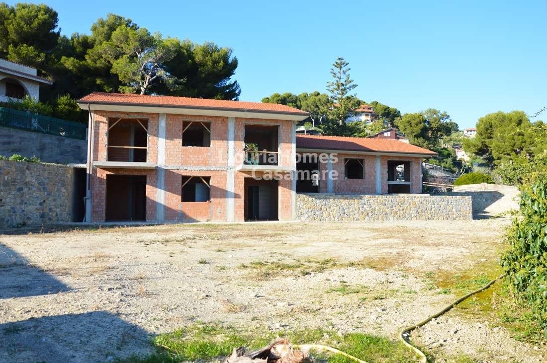 Villa in vendita a Bordighera, 8 locali, prezzo € 550.000 | CambioCasa.it