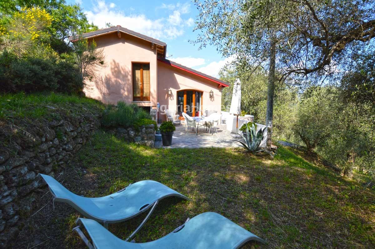 Villa in vendita a Dolceacqua, 5 locali, prezzo € 299.000 | CambioCasa.it