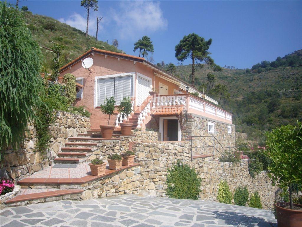 Villa in vendita a Seborga, 5 locali, prezzo € 550.000 | CambioCasa.it