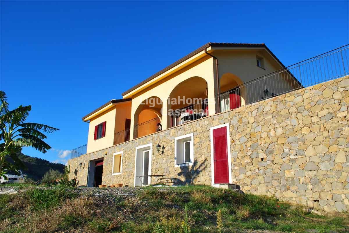 Villa in vendita a San Biagio della Cima, 8 locali, prezzo € 520.000 | CambioCasa.it