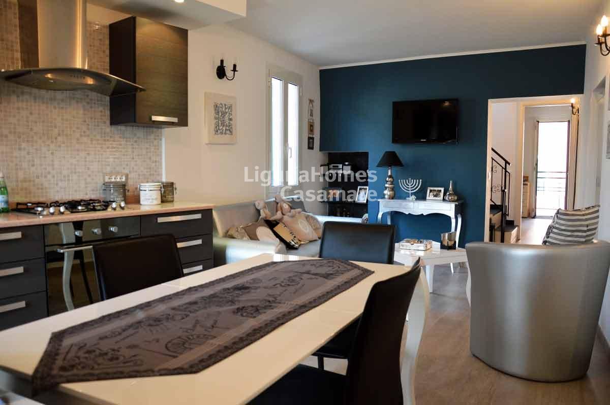 Appartamento in vendita a Vallebona, 5 locali, prezzo € 250.000   CambioCasa.it