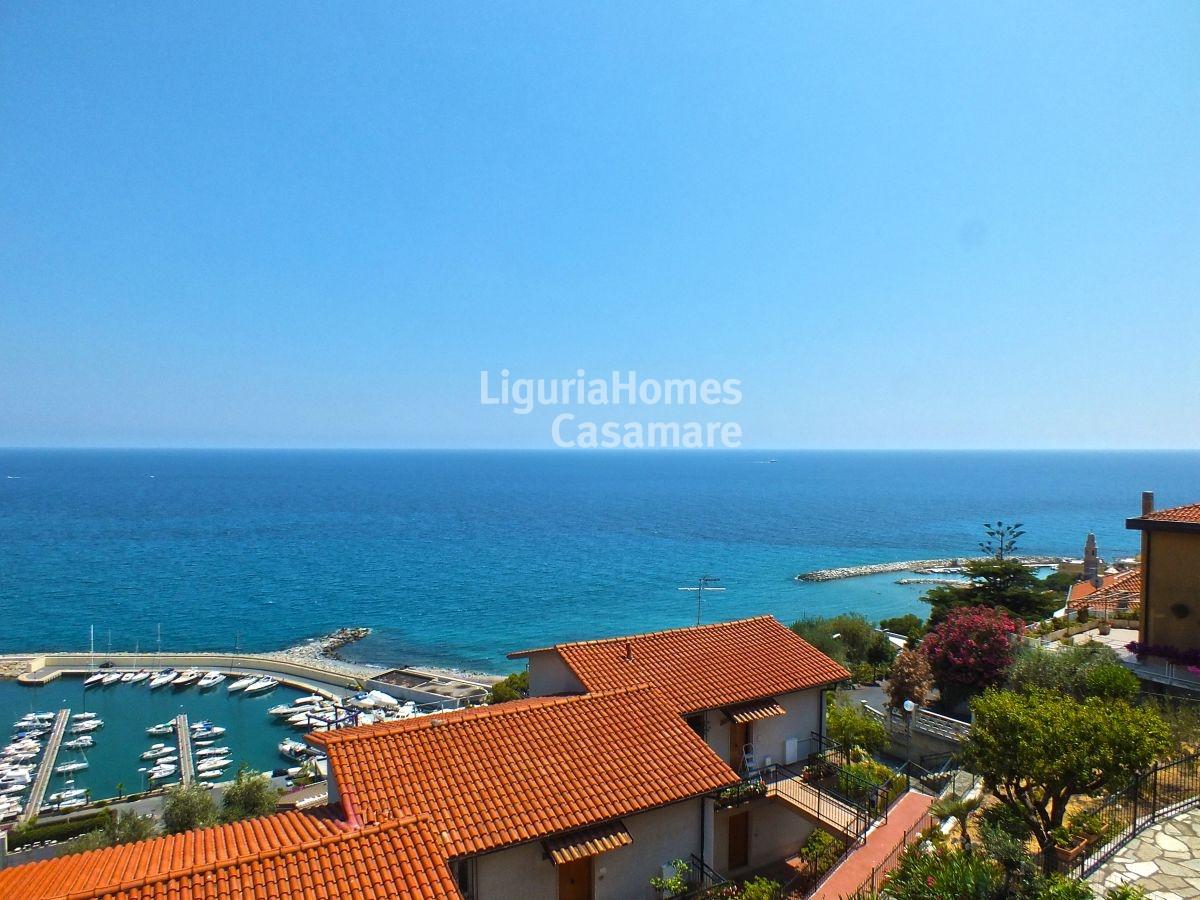 Appartamento in vendita a San Lorenzo al Mare, 8 locali, prezzo € 270.000 | CambioCasa.it