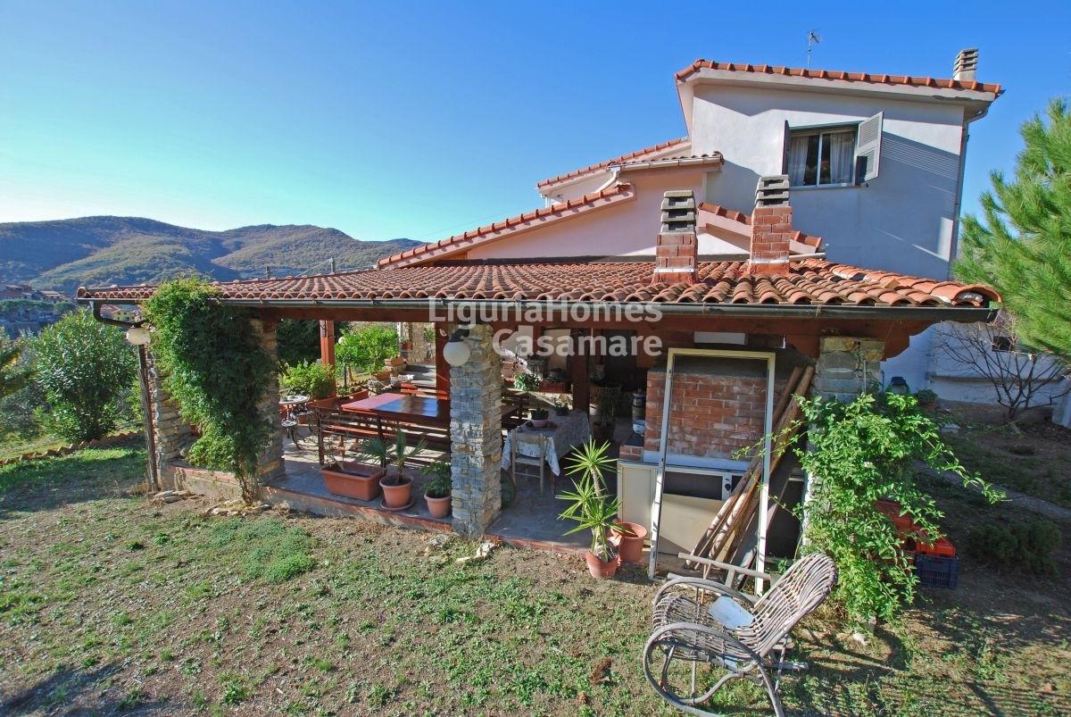 Villa in vendita a Chiusanico, 7 locali, prezzo € 395.000 | CambioCasa.it