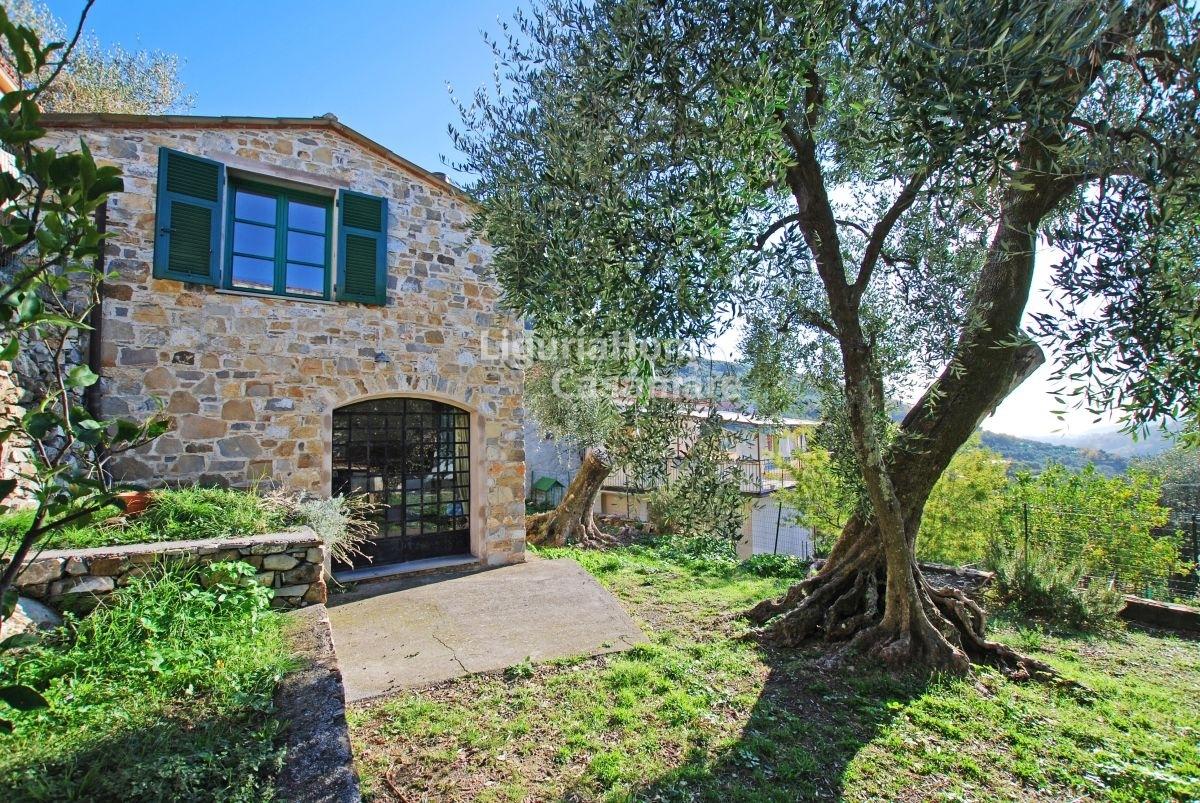 Villa in vendita a Diano San Pietro, 3 locali, prezzo € 149.000 | CambioCasa.it