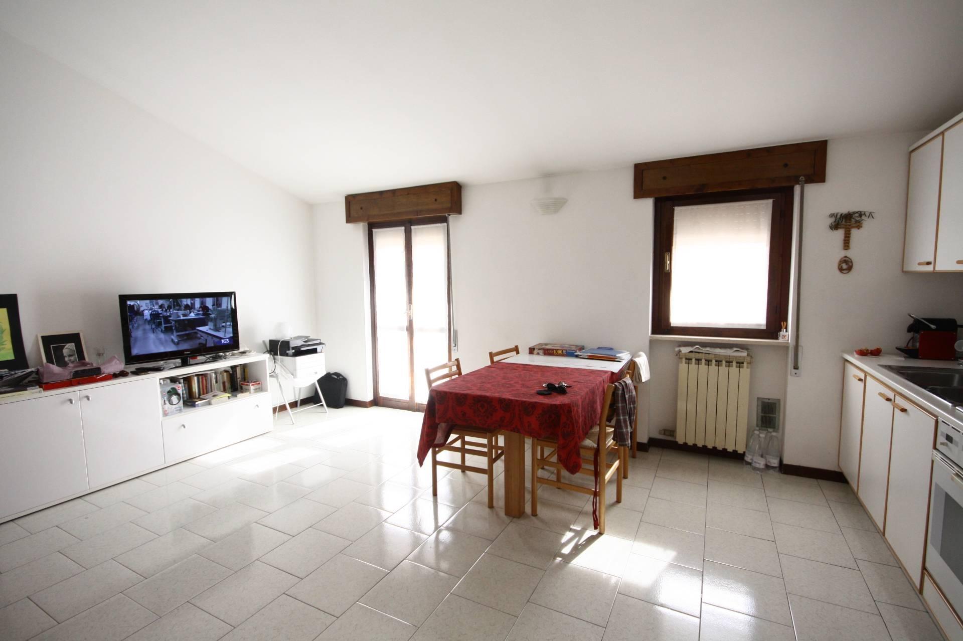 Bilocale Brescia Via Giorgio Duranti 8
