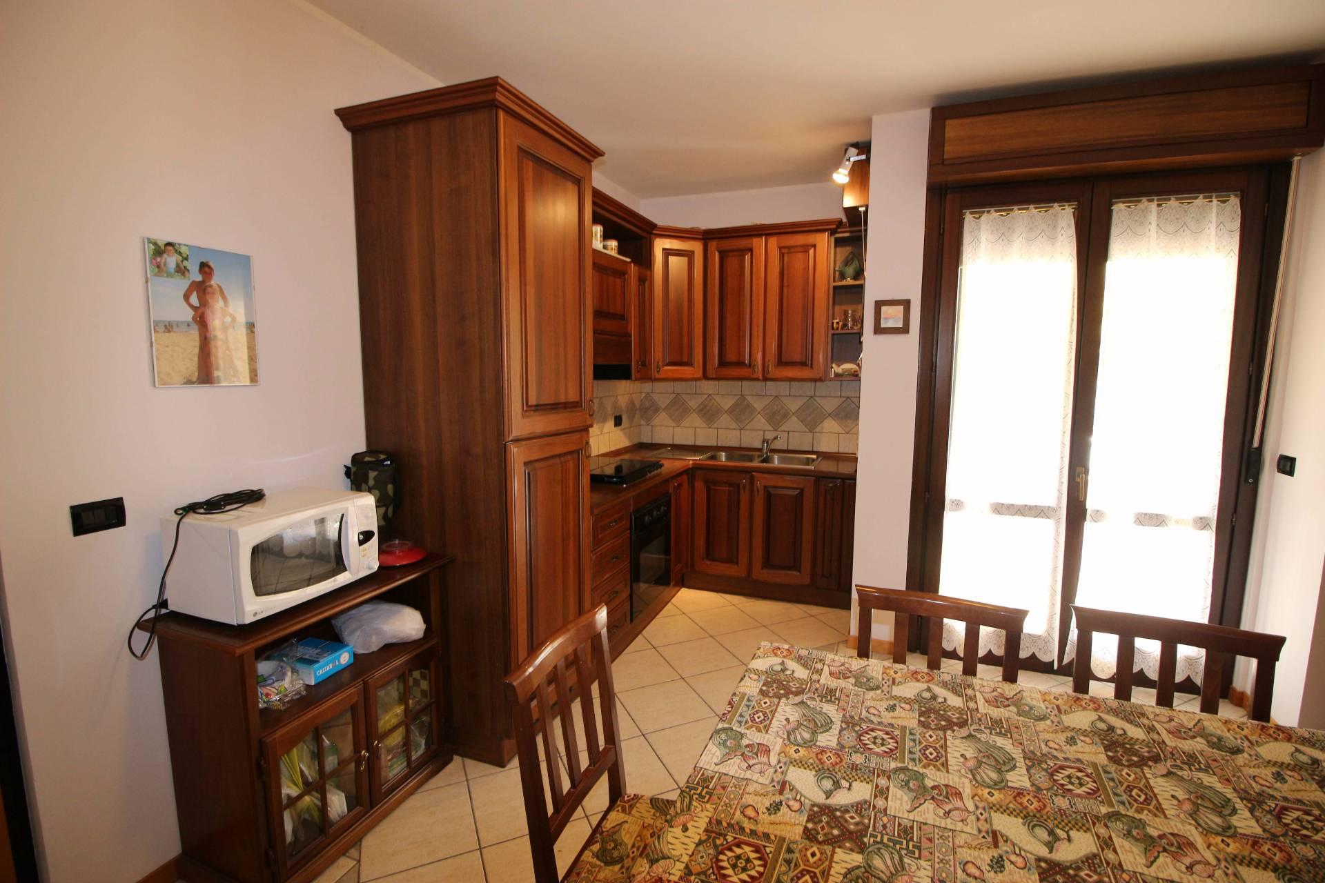 Appartamento in vendita a Tortoreto, 5 locali, zona Località: TortoretoLido, prezzo € 210.000 | Cambio Casa.it