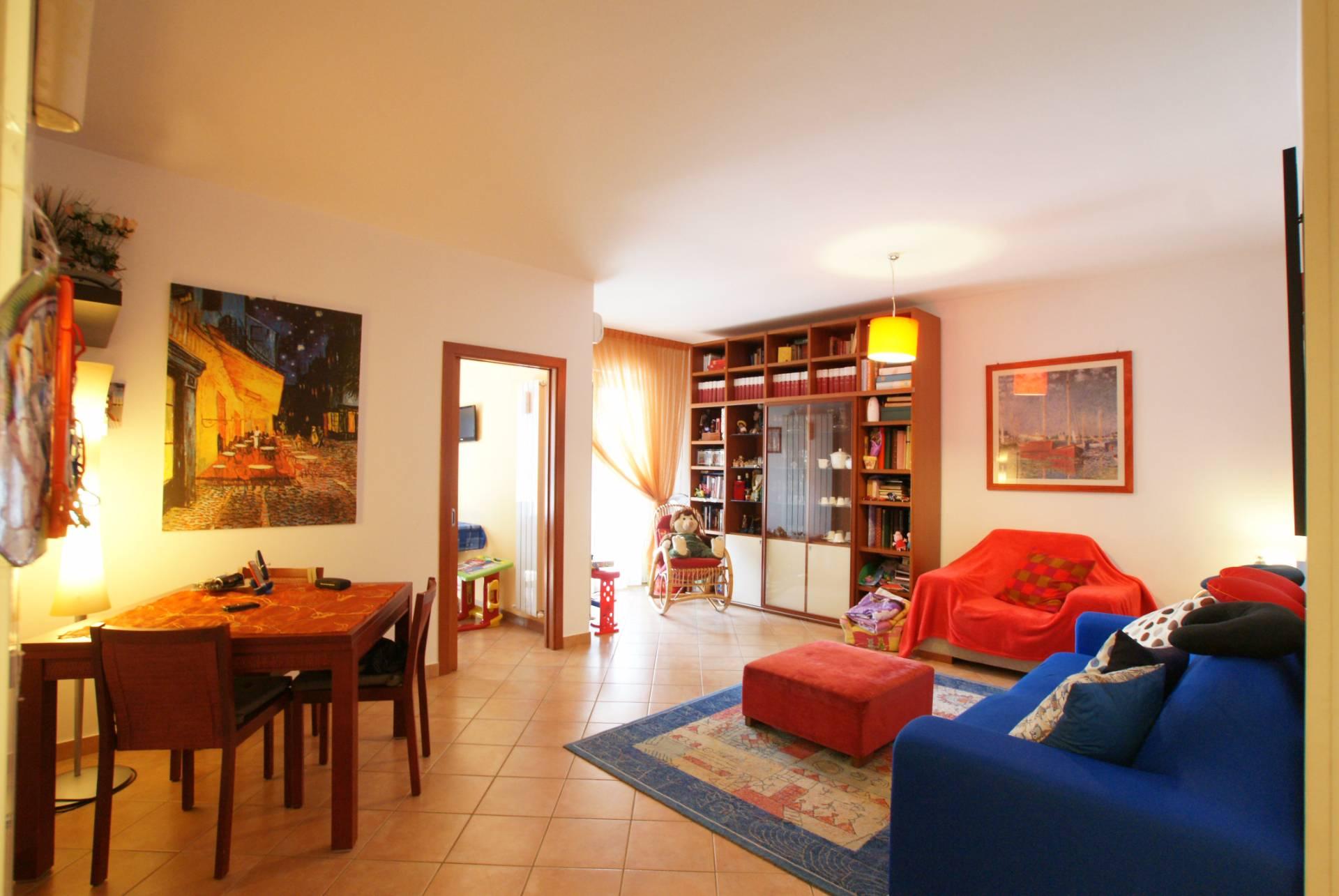 Appartamento in vendita a Tortoreto, 5 locali, zona Località: TortoretoLido, prezzo € 175.000 | Cambio Casa.it