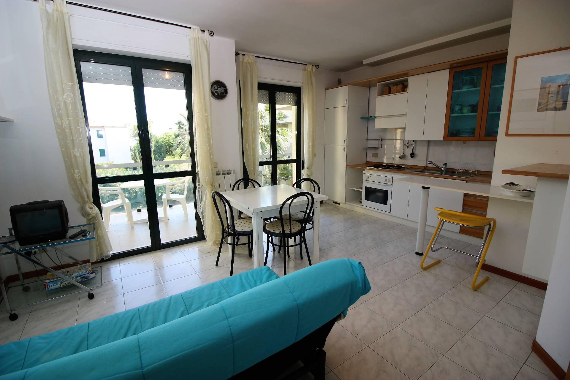 Appartamento in vendita a Tortoreto, 3 locali, zona Località: TortoretoLido, prezzo € 190.000 | Cambio Casa.it