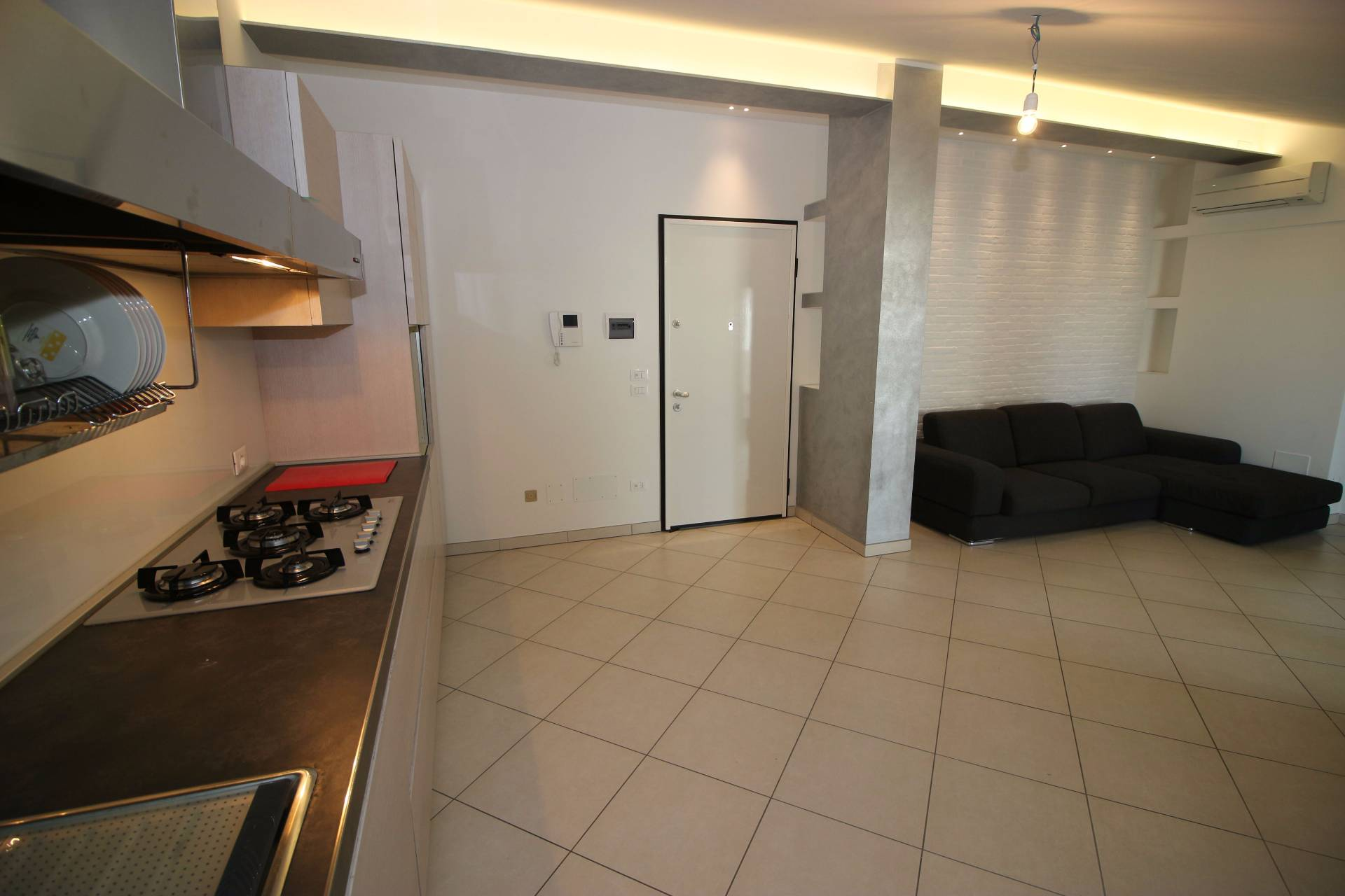 Appartamento in vendita a Tortoreto, 4 locali, zona Località: ZonaMare, prezzo € 150.000 | Cambio Casa.it