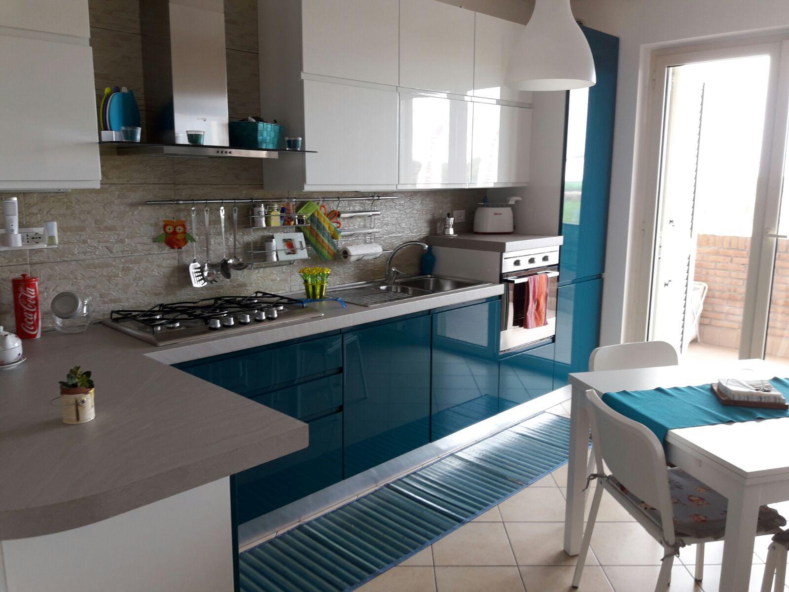 Appartamento in vendita a Tortoreto, 3 locali, zona Località: TortoretoLido, prezzo € 69.500 | Cambio Casa.it