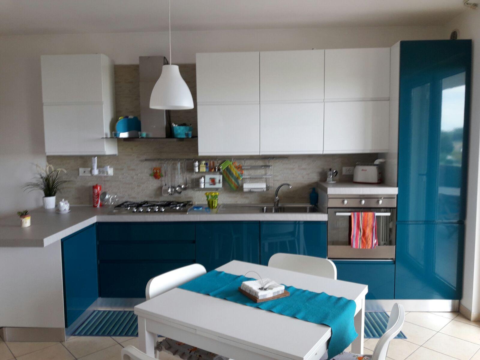 Appartamento in vendita a Tortoreto, 3 locali, zona Località: TortoretoLido, prezzo € 72.000 | CambioCasa.it