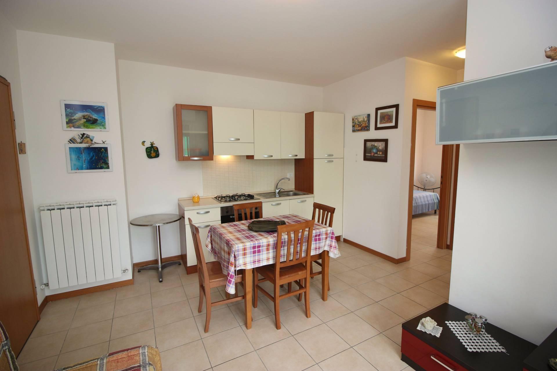 Appartamento in vendita a Tortoreto, 3 locali, zona Località: TortoretoLido, prezzo € 93.000 | CambioCasa.it
