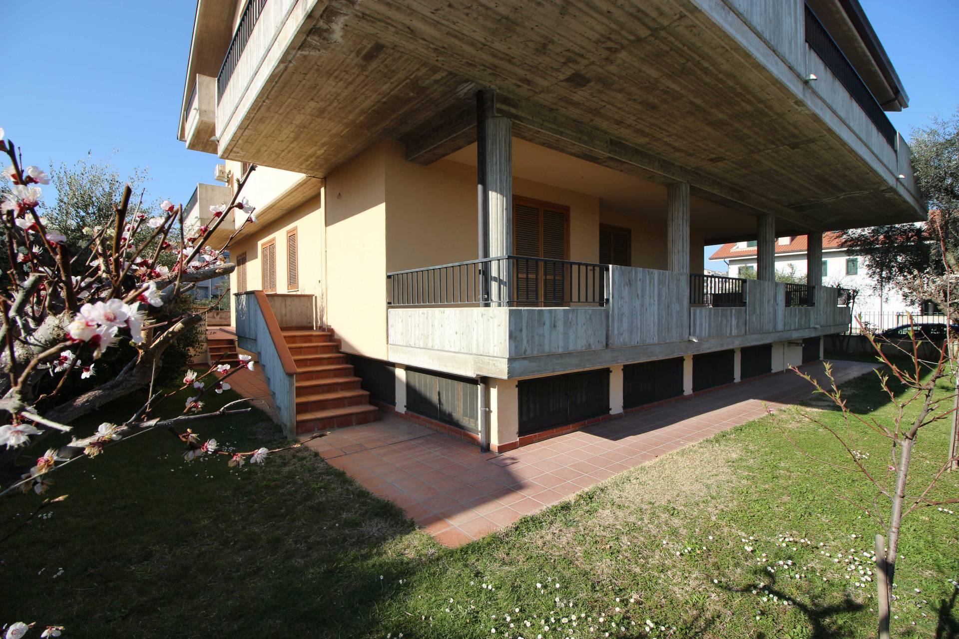 Appartamento in vendita a Teramo, 5 locali, zona Località: SanNicolòaTordino, prezzo € 220.000 | CambioCasa.it