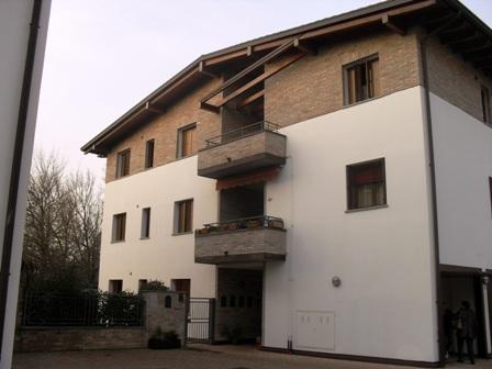 Appartamento in affitto a Cento, 3 locali, zona Località: Cento, prezzo € 500 | CambioCasa.it
