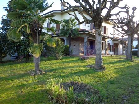 Villa in vendita a Castello d'Argile, 10 locali, zona Località: CastellodArgile, Trattative riservate | Cambio Casa.it