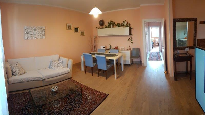 Appartamento in vendita a Cento, 5 locali, zona Località: Cento, prezzo € 115.000 | CambioCasa.it