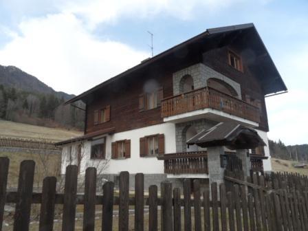 Villa in vendita a Tarvisio, 9 locali, zona Zona: Fusine, prezzo € 320.000 | Cambio Casa.it