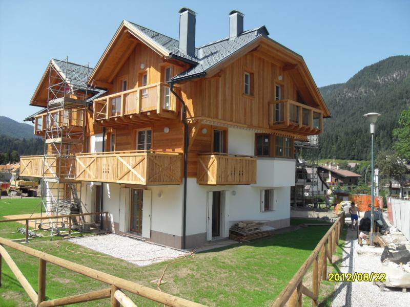 Appartamento in vendita a Tarvisio, 3 locali, zona Zona: Camporosso, Trattative riservate | Cambio Casa.it