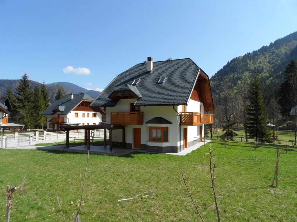 Villa Bifamiliare in Vendita a Malborghetto Valbruna