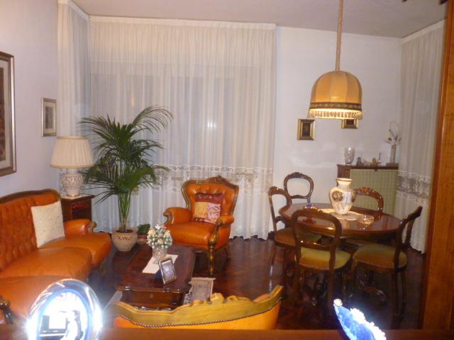 Appartamento in affitto a Fabriano, 5 locali, zona Località: LASPINA, prezzo € 500 | Cambio Casa.it