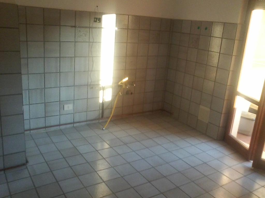 Appartamento in affitto a Fabriano, 4 locali, zona Località: GIARDINI, prezzo € 510 | CambioCasa.it