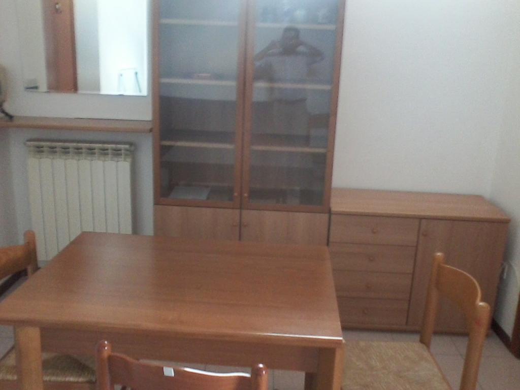 Appartamento in affitto a Fabriano, 2 locali, zona Località: CENTROSTORICO, prezzo € 270 | Cambio Casa.it