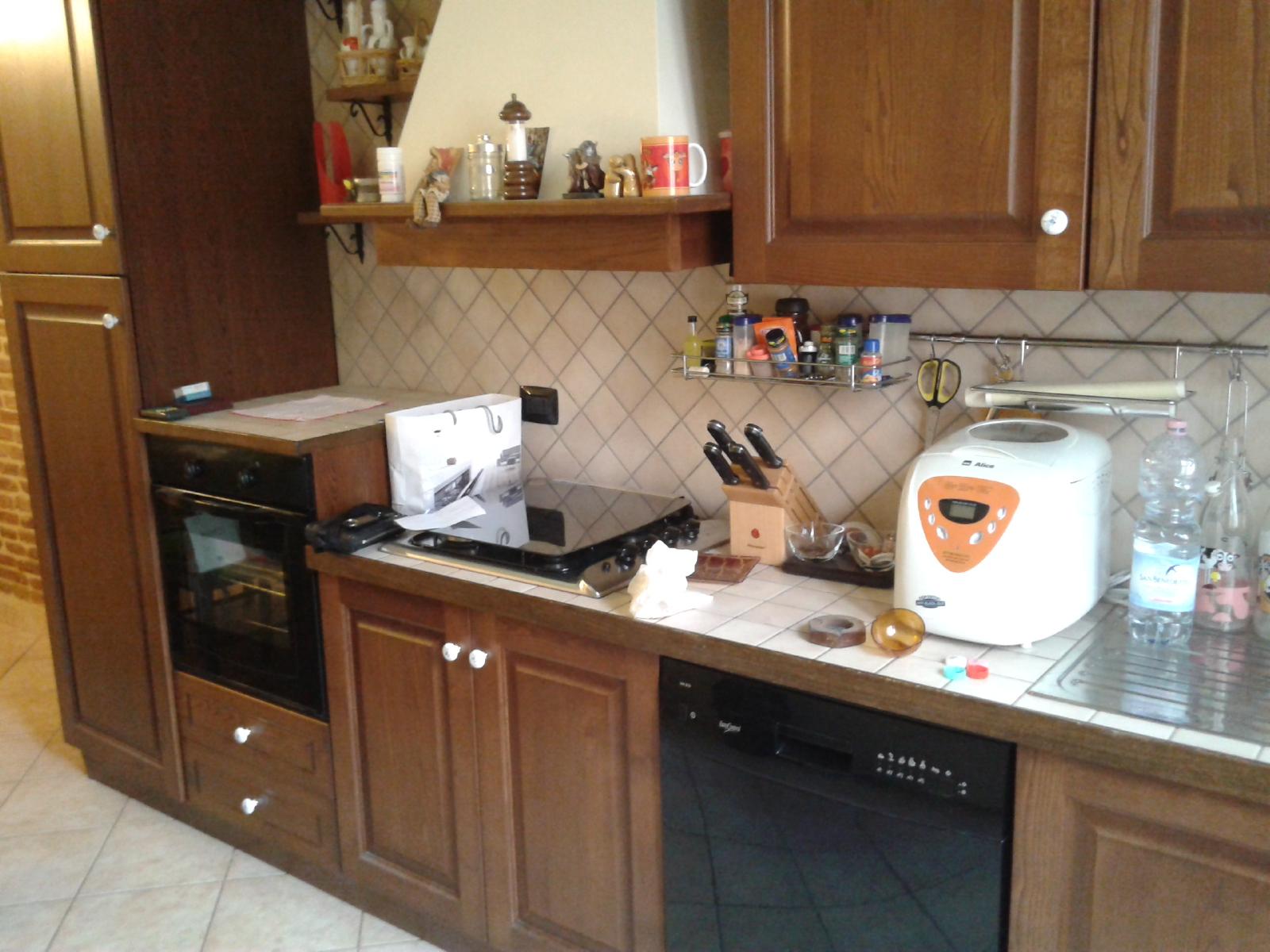 Appartamento in affitto a Fabriano, 3 locali, zona Località: CENTROSTORICO, prezzo € 440 | Cambio Casa.it