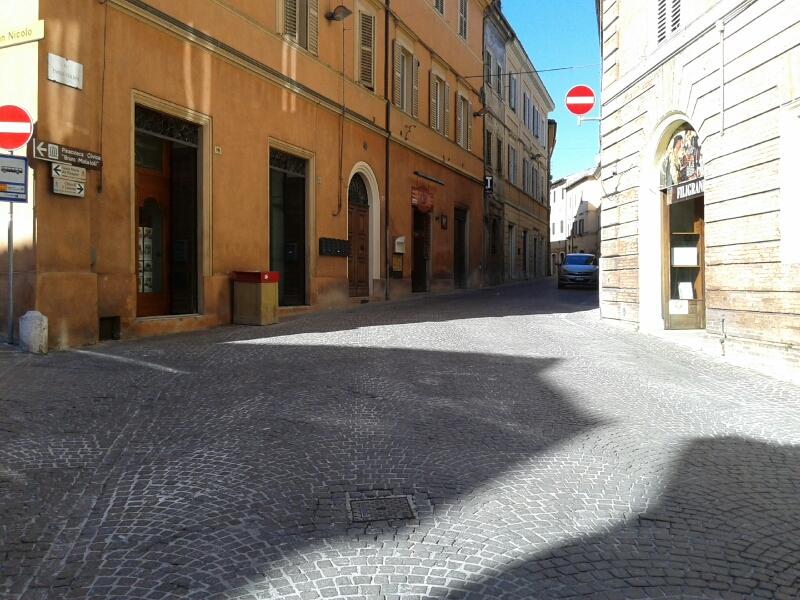 Negozio / Locale in vendita a Fabriano, 9999 locali, zona Località: CENTROSTORICO, prezzo € 40.000 | Cambio Casa.it